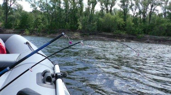 Рыбалка на бортовую удочку